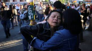 """Auto killer: caccia a 2 minori rom. Famiglia ricercato: """"Perdono"""". Rabbia al sit-in"""