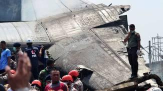 Indonesia, cargo militare cade su zona abitata di Sumatra: almeno 113 morti / VIDEO