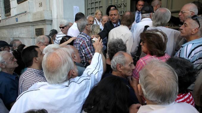Grecia: ok a piano Ue, con modifiche. No di Berlino. Le Borse ripartono