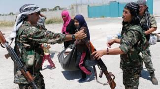 "Isis, Obama blocca armi ai curdi. ""Faremo da soli"". Falluja, 100 siriane vendute come schiave"