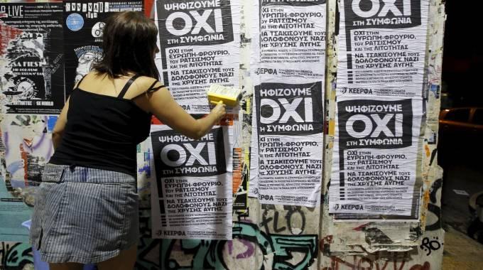 Grecia, Fmi: servono altri 50 miliardi. Varoufakis: se vince il 'sì', dimissioni