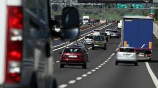 Il traffico sull' autostrada del Sole A1 (Ansa)
