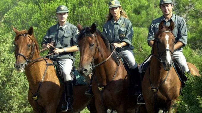Agenti del Corpo Forestale (Foto Aprili)