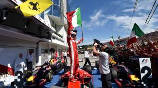 "Ferrari, Vettel trionfa in Ungheria Disastro Mercedes, ok Red Bull. ""Dedicato a Bianchi"""