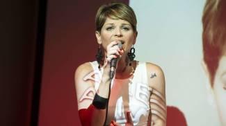 Alessandra Amoroso sospende il tour in Messico e annuncia: 'Dovrò operarmi alle corde vocali' / VIDEO