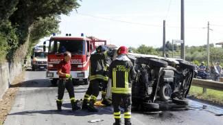 Muore nell'incidente tra il suo autocarro e un'auto; tragedia sulla Sarzanese-Valdera