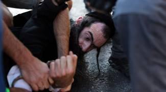 Israele, 6 accoltellati al Gay pride. Fermato ebreo ultraortodosso. Netanyahu: attacco grave