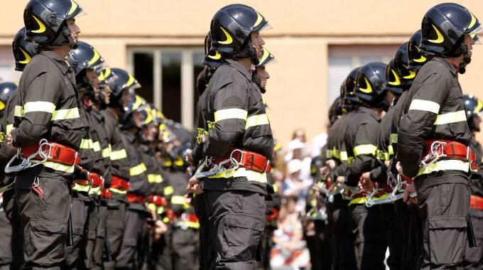 Forze armate, polizia e vigili del fuoco: via l'altezza minima per poter entrare. Nuovi requisiti, c'è la massa grassa