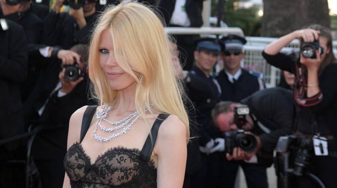 Claudia Schiffer compie 45 anni. Trenta passati sulle passerelle dell'Alta Moda