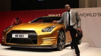 L'oro è il colore di Usain Bolt anche con la Nissan GTR
