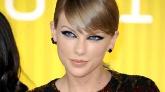 Mtv video awards, trionfa Taylor Swift. Kanye West si candida alle presidenziali / VIDEO / FOTO