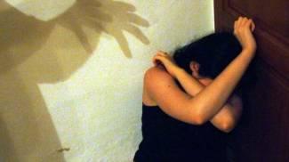 """Ragazzina rom di 13 anni violentata per tre giorni: sottoposta al rito del """"fugii"""""""
