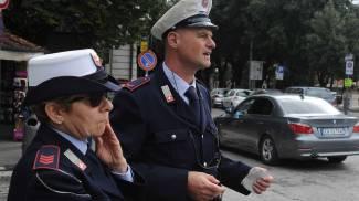 Vigili, una multa ogni 8 minuti: stangata su Ztl e sosta, caso Guido Monaco