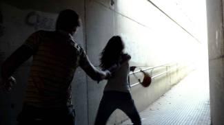 Studentessa fiorentina presa a pugni in faccia e rapinata a Bologna