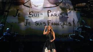 American Music Awards, Celine Dion commuove tutti con uno struggente omaggio a Parigi