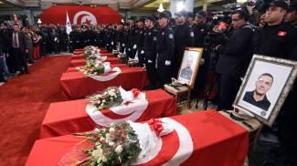 Tunisi, l'Isis rivendica l'attentato al bus delle guardie presidenziali