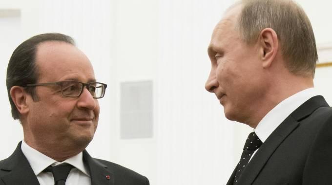 Hollande-Putin: insieme contro l'Isis. Germania invia aerei e navi in Siria