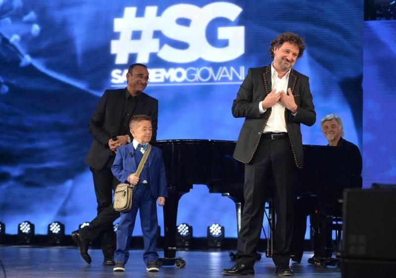 La finale di Sanremo Giovani porta il musicista carrarese al Festival