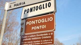 """'Pontoglio, paese a cultura occidentale': """"Toglieremo i cartelli della polemica"""""""