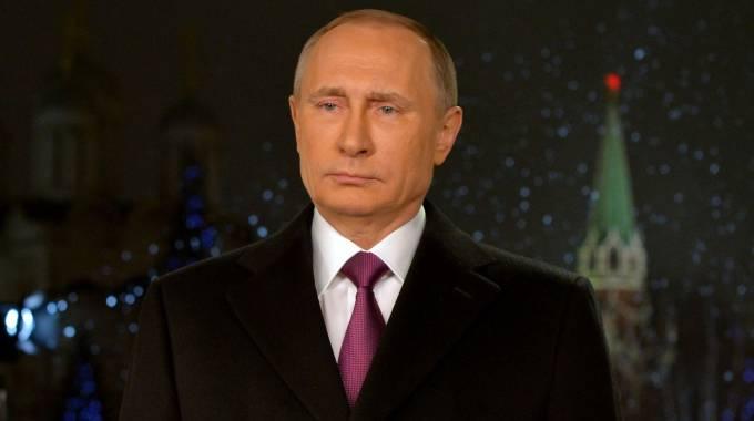 Putin nel discorso alla nazione per il capodanno 2016 (Afp)
