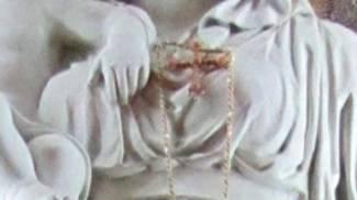 Magenta, preso il ladro della collana d'oro della statua della Madonna