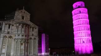 La Torre si colora di viola