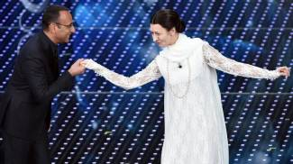 Image Sanremo, divina Kidman: 'Italia, ti amo'. Virginia Raffaele show: è Carla Fracci. Ezio Bosso incanta l'Ariston