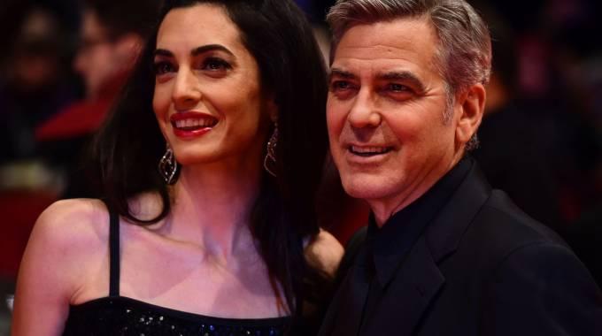 George e Amal Clooney sul red carpet