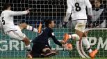 Ibrahimovic, acrobatico gol di petto col PSG
