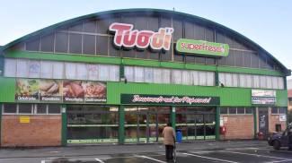 Rapina supermercato armato di pistola