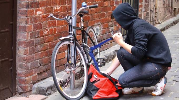 Bici rubate, ogni anno 18mila. Furti e mercatini illegali: LA MAPPA