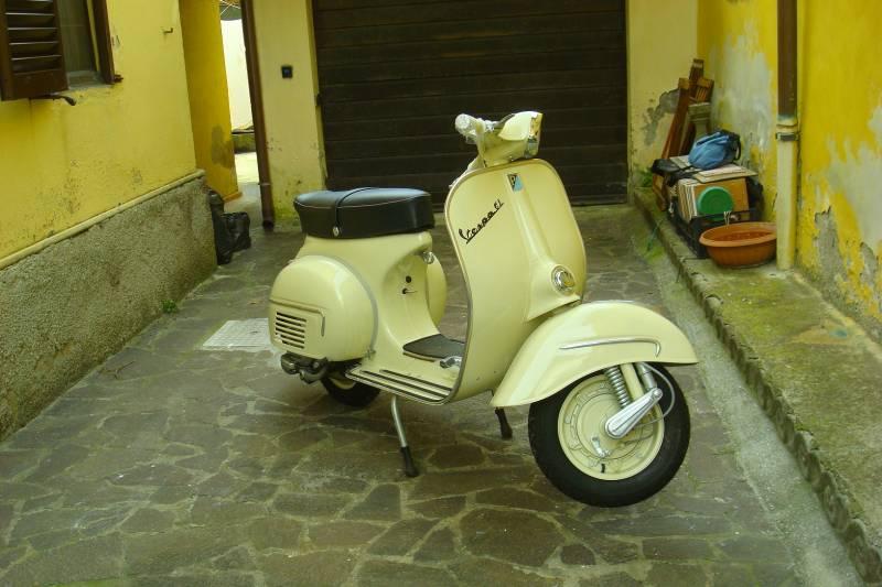 La Vespa GL 150 del 1963 di Susanna Giaccai