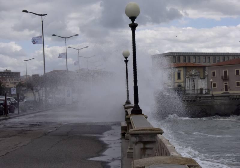 Raffiche di vento: la Protezione Civile dirama una nuova allerta meteo