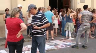 """Il Comune: """"Siamo pronti a spostare i banchi davanti all'Accademia"""""""