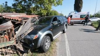 Incidente in via Lucchese: scontro tra Panda e pick-up