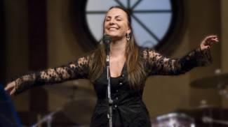 Musica d'autore e beneficenza. Stefania D'Ambrosio in concerto a Roma