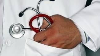 Guardia medica positiva all'etilometro sull'auto dell'Asl e in orario di lavoro