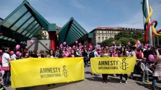 Famiglie Arcobaleno in piazza, migliaia in corteo tra festa e diritti FOTO