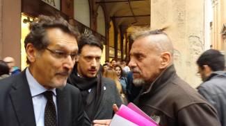 Beppe Maniglia 'sale sul ring', faccia a faccia con Merola: guarda il video