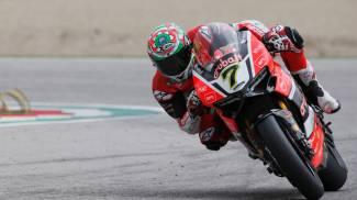 Superbike, Chaz Davies e la Ducati fanno doppietta