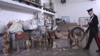 Rubavano statue di bronzo nei cimiteri, tre arresti tra Milano e Monza