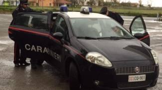 Si impicca in casa per amore, i carabinieri lo salvano