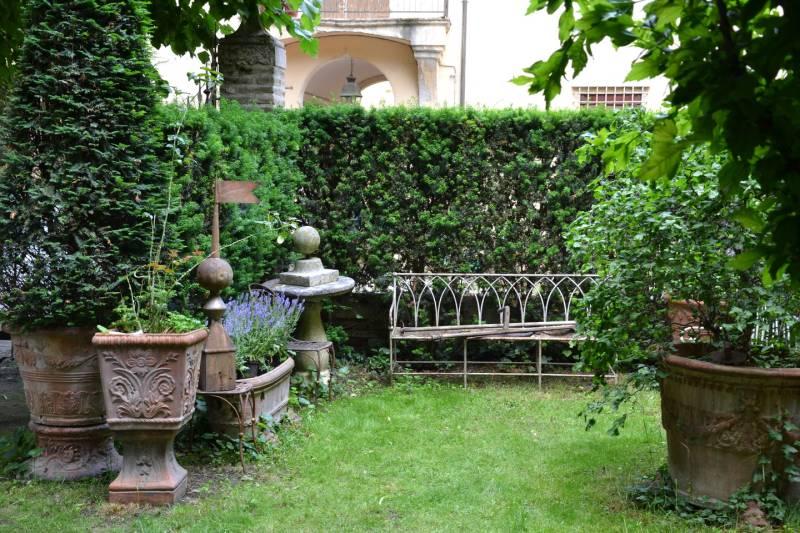 Diverdeinverde alla scoperta dei giardini di bologna for Immagini di piccoli giardini