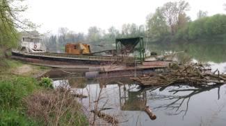 Cremona, sequestrata motonave con pontile sul fiume Adda