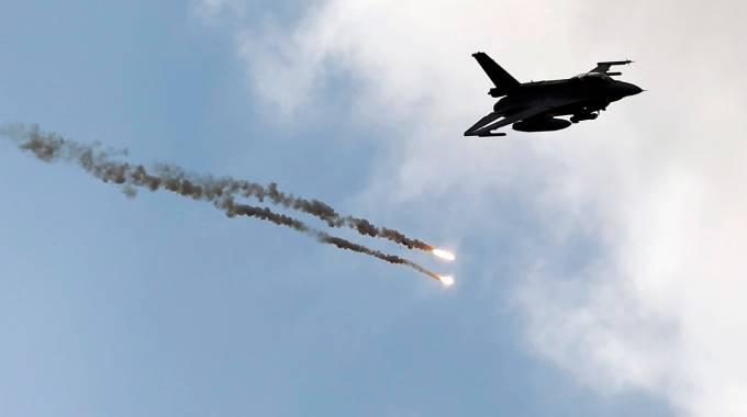 Un F-16  (Reuters)