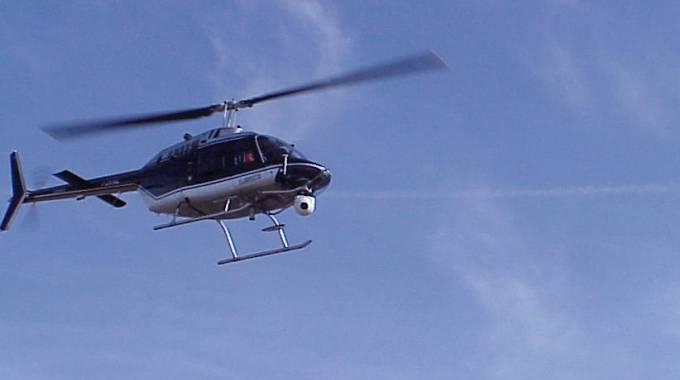 Elicottero Bologna Oggi : Enel vola sulla città per controllare le linee elettriche