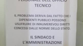 """Cartello del sindaco contro l'assenteismo: """"Disagi causati dalle numerose assenze"""""""
