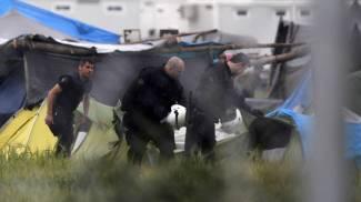 """La Grecia sgombera il campo. Idomeni, via 8mila migranti. """"Non usiamo la forza"""""""