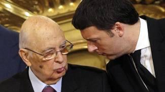 Referendum, Napolitano è il presidente schierato per il 'sì'. Xenofobia, bagarre con la Lega