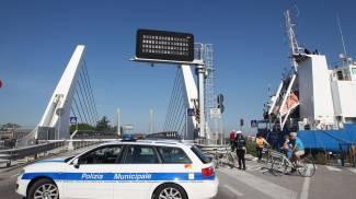 Ponte mobile chiuso anche questa notte